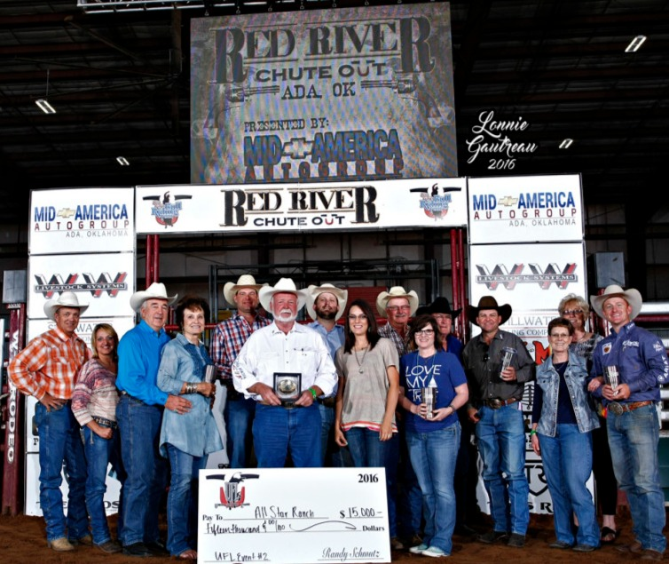 The Top 8 UFL Team event winners featuring Ted Keeling accepting the Tres Rios buckle and check for $15,000. Photo by Gautreau
