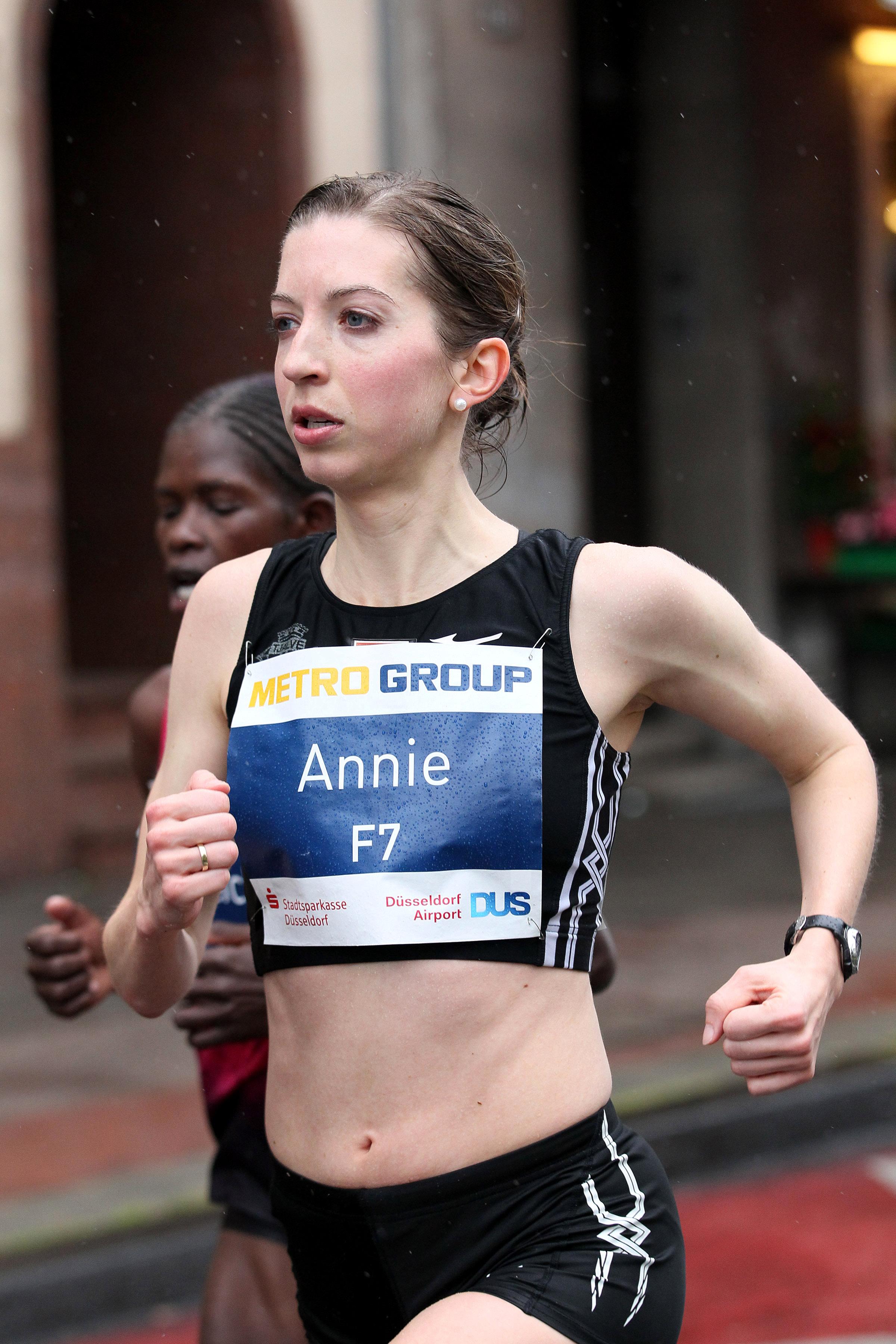090b0bf477 Annie Bersagel The Unlikeliest Of Contenders At Olympic Trials Marathon